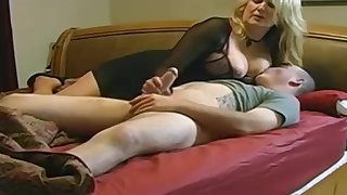 Expert, beamy light-haired is making gain in value with her married buddy, in front be expeditious for a hidden camera