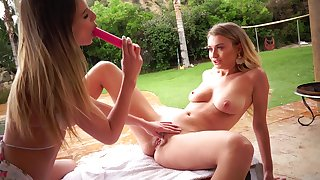 Jillian Janson shows Natalia Starr what she can do thither their way tongue