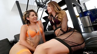 Roasting lesbians Jillian Janson and Willow Devine lick each others tits