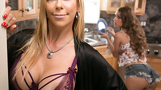 Mommy's consenting girl! - Overstep Lynn and Alexis Fawx