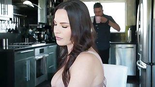 Killing hot Latin auntie Alina Lopez seduces big tittied boss's wife