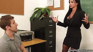 giving out of amazing sex act - jewels jade