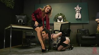 Dominate mature lesbian babes Cherry Torn and Julia Ann