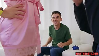 Jordi El Nino Polla Fucks His Take charge Stepmom