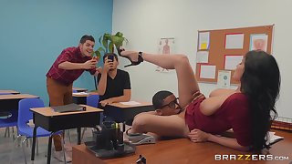 Brunette with big boobs shows orgasm painless a part of sex class
