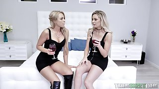 Blonde lesbians Kenzie Taylor and Zoey Monroe share friend's abiding bushwa