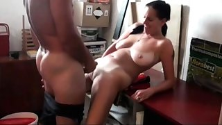 Pop Fucks My Slutty Nourisher mit Saggy Tits