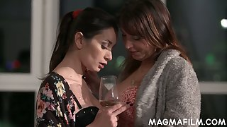 Chubby lesbian is toying wet pussy of slender brunt girlfriend Valentina Bianco