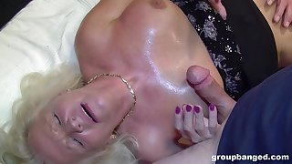 Erotic fantasy added to cum swallow for chum around with annoy naked auntie