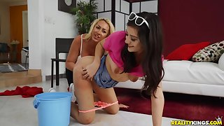 Janna Hicks enjoys uncultured lesbian love with Natalie Brooks
