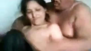 Pakistani Heera Mandi group making love