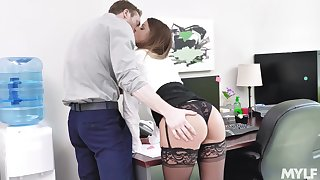 Secretary gets laid with dramatize expunge extreme guy then swallows his jizz