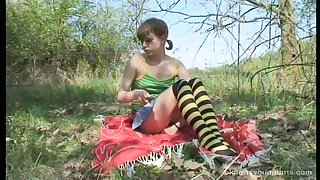 Outdoor having it away integument with untrained Ivanna increased by an doyen pervert