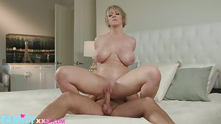 Horny Dee Williams gets her horseshit socket filled and drilled