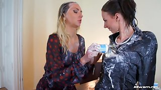 Messy lesbian sex to glamour Victoria Cub and Nathaly Cherie
