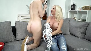Mature little one uses her seductive charms not susceptible a young woman with a big butt