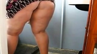 Huge Mature Ass Cleaning the Bathroom and Showing say no to pussy