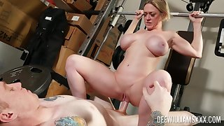 Untrained MILF bends arse be fitting of sex down at the gym