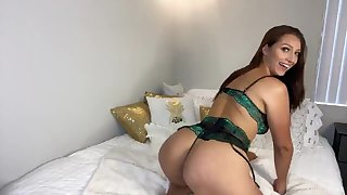 Six foot queen Bella Rolland loves camming and she has a big juicy ass