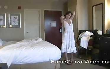 Skinny brunette babe gets her pussy be full with a long dong