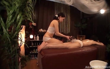 Blue brunette girl gets her wet cunt eaten by a kinky person